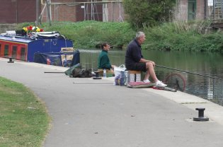 fishermen lock moorings