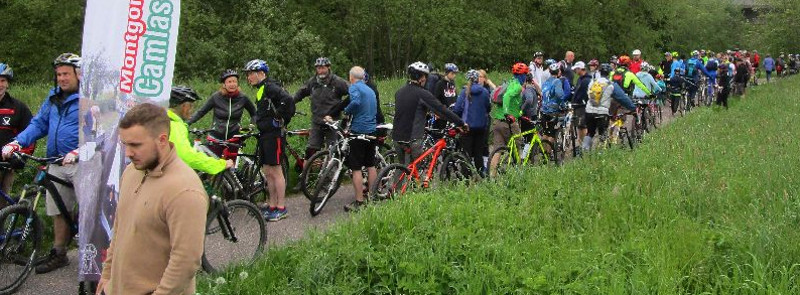 Cyclists waiting to start